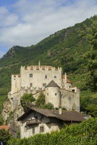 Cycleway of the Venosta valley, Castelbello castle
