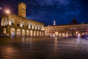 Piazza maggiore a bologna