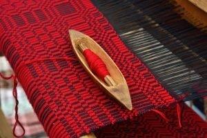 Weaving shuttle