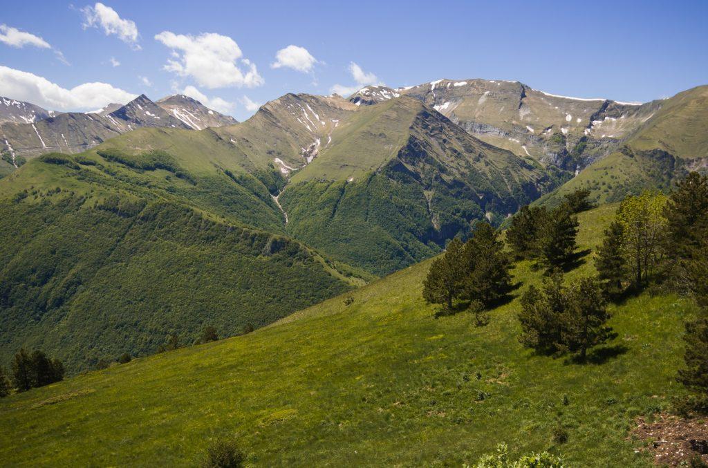 Panoramic view from Pintura di Bolognola in the park of Monti Sibillini